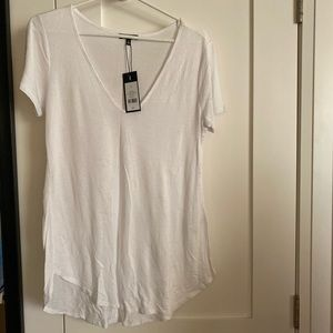 New Dynamite V Neck White Tee Medium